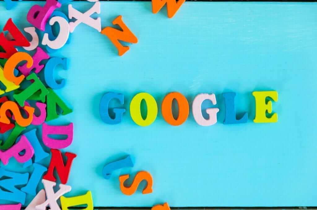 קורסים מקוונים של google לקידום האתר ברשת וברשתות החברתיות. הקורסים מתייחסים גם לפיתוח העסק במדינות אחרות, הבנת התנהגות צרכן, בנית תוכנית תוכן שיווקי, קורס בסיסי של כתיבת קוד. ועוד.